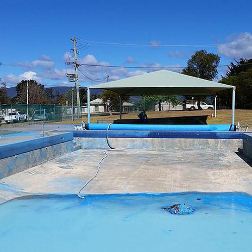 Bemboka pool paoint removal.