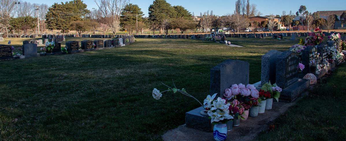 Cooma lawn cemetery with granite headstone option: photo courtesy of Snowy Monaro Regional Council.
